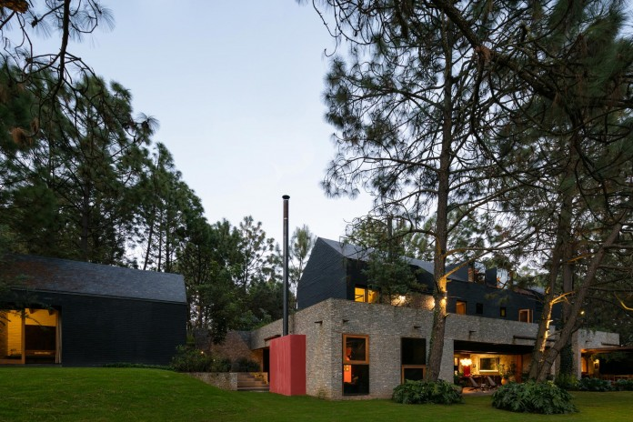 PE-House-by-Andres-Escobar-Taller-Arquitectonica-11