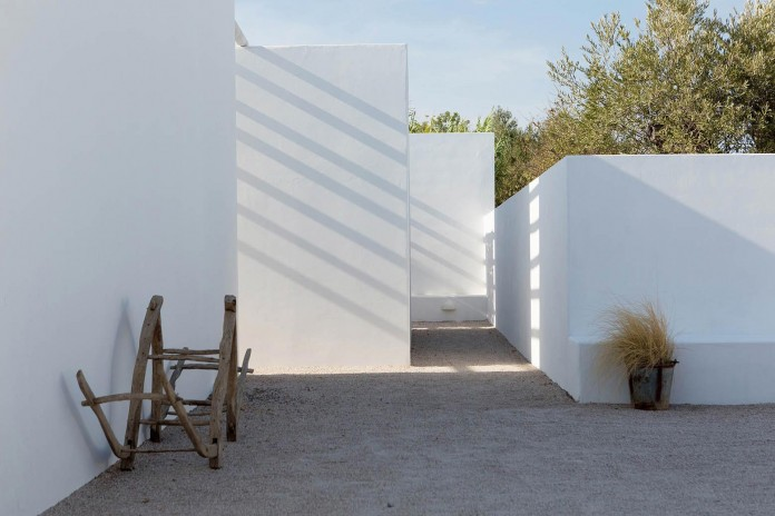 Pensao-Agricola-in-Tavira-by-Atelier-Rua-04