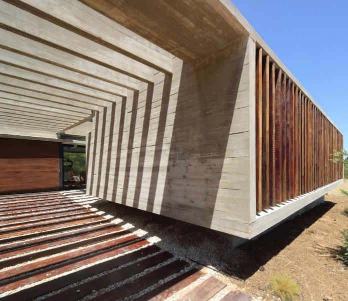 S-S-Summer-House-by-Besonias-Almeida-arquitectos-04