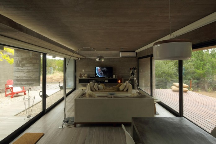 S-S-Summer-House-by-Besonias-Almeida-arquitectos-12