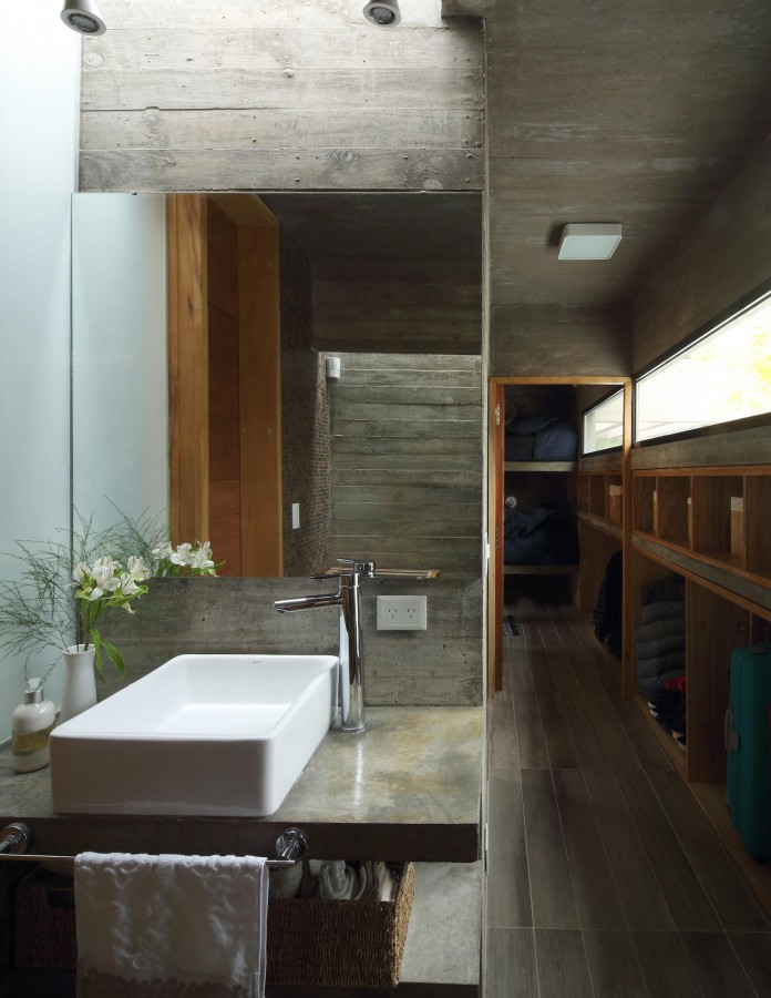 S-S-Summer-House-by-Besonias-Almeida-arquitectos-17