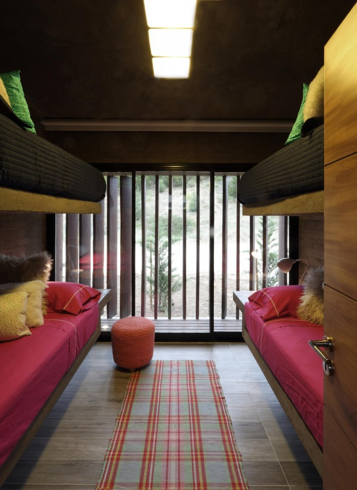 S-S-Summer-House-by-Besonias-Almeida-arquitectos-19
