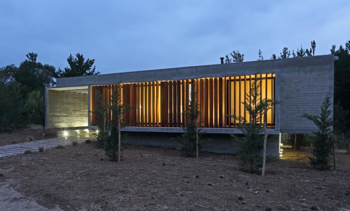 S-S-Summer-House-by-Besonias-Almeida-arquitectos-20