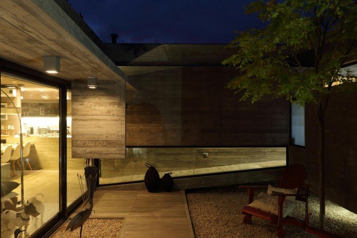 S-S-Summer-House-by-Besonias-Almeida-arquitectos-25