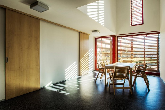 _Simple-Small-Single-family-home-by-scapelab-06