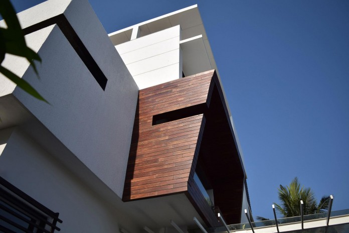 Single-Family-Bungalow-blends-modern-Western-aesthetics-with-Indian-taste-and-sensibilities-by-Skyward-Inc-03