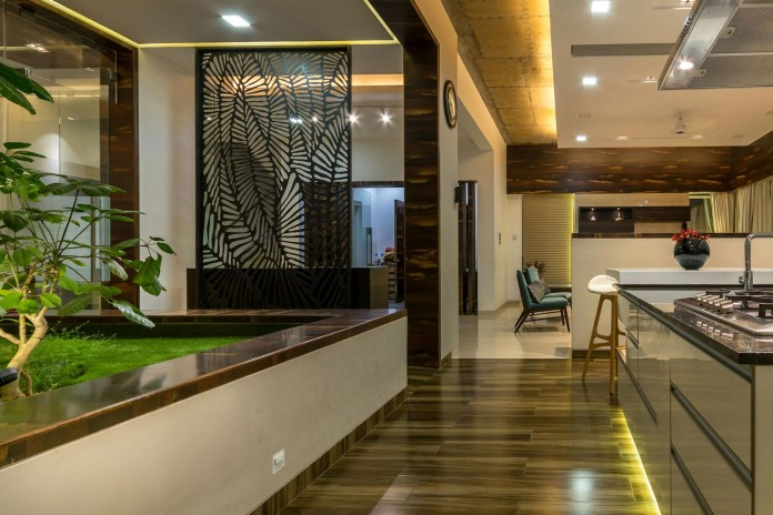 Single-Family-Bungalow-blends-modern-Western-aesthetics-with-Indian-taste-and-sensibilities-by-Skyward-Inc-15