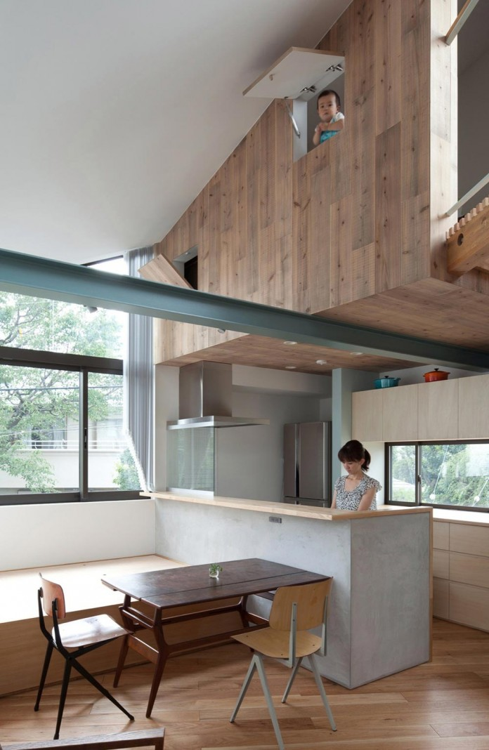 Small-House-with-Floating-Treehouse-by-Yuki-Miyamoto-Architect-11