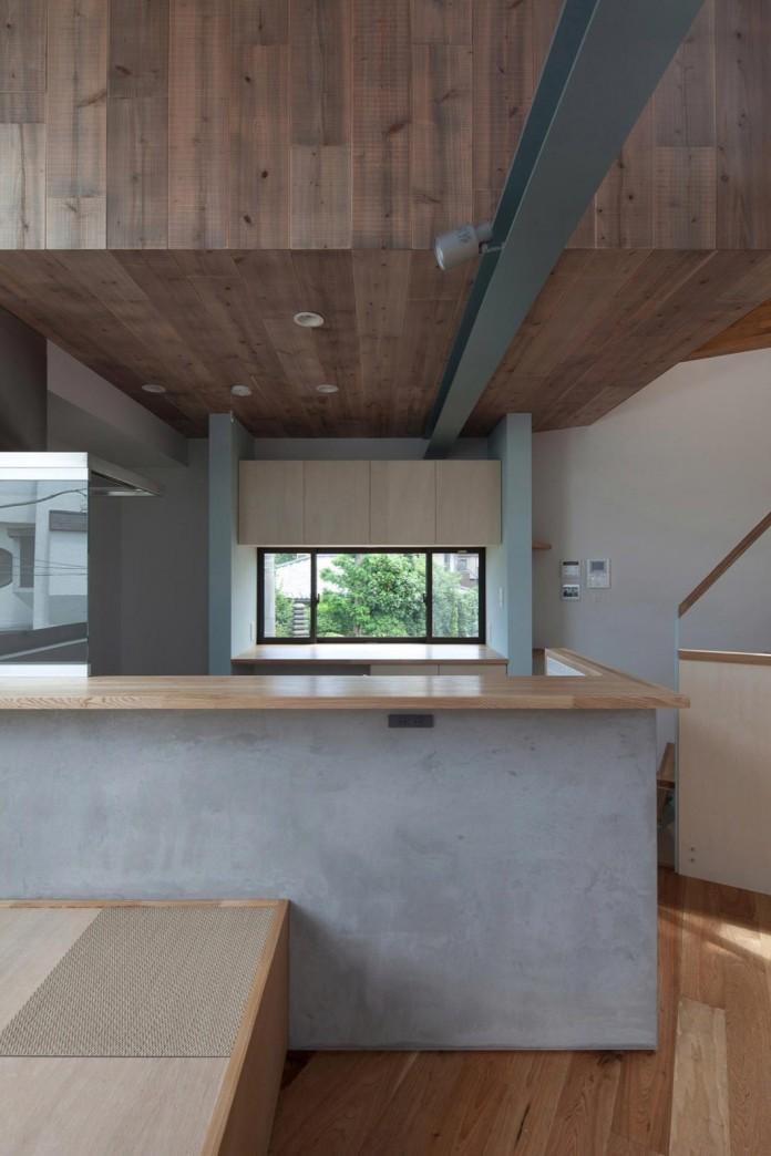 Small-House-with-Floating-Treehouse-by-Yuki-Miyamoto-Architect-12