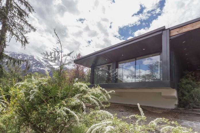Solelya-chalet-near-Les-Houches-by-Chevallier-Architectes-02