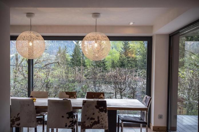 Solelya-chalet-near-Les-Houches-by-Chevallier-Architectes-15