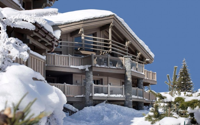 Sophisticated,-technically-savvy-and-gorgeous-Panmah-Chalet-in-Courchevel-01
