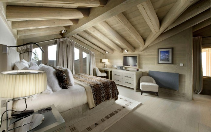 Sophisticated,-technically-savvy-and-gorgeous-Panmah-Chalet-in-Courchevel-08