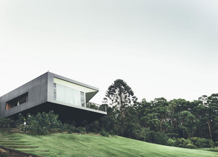 Stealth-Eco-Friendly-Home-on-the-Sunshine-Coast-by-Teeland-Architects-02
