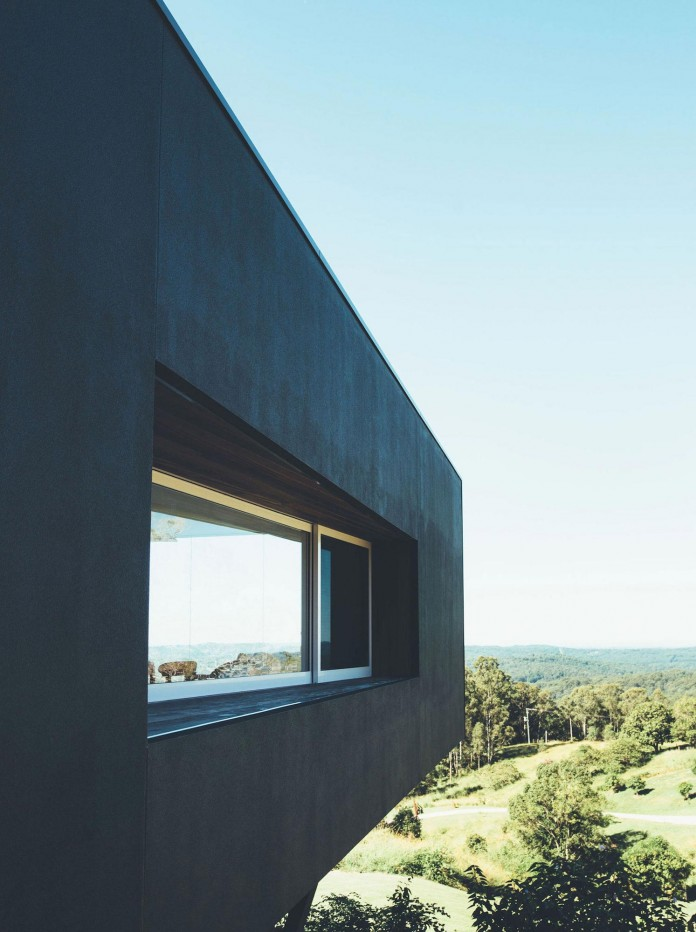Stealth-Eco-Friendly-Home-on-the-Sunshine-Coast-by-Teeland-Architects-05