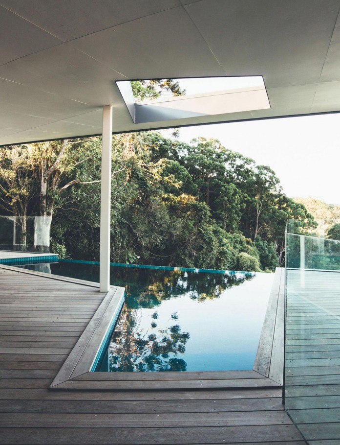 Stealth-Eco-Friendly-Home-on-the-Sunshine-Coast-by-Teeland-Architects-09