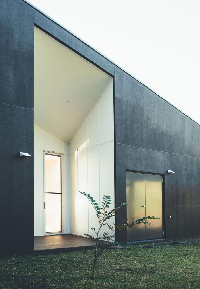Stealth-Eco-Friendly-Home-on-the-Sunshine-Coast-by-Teeland-Architects-12