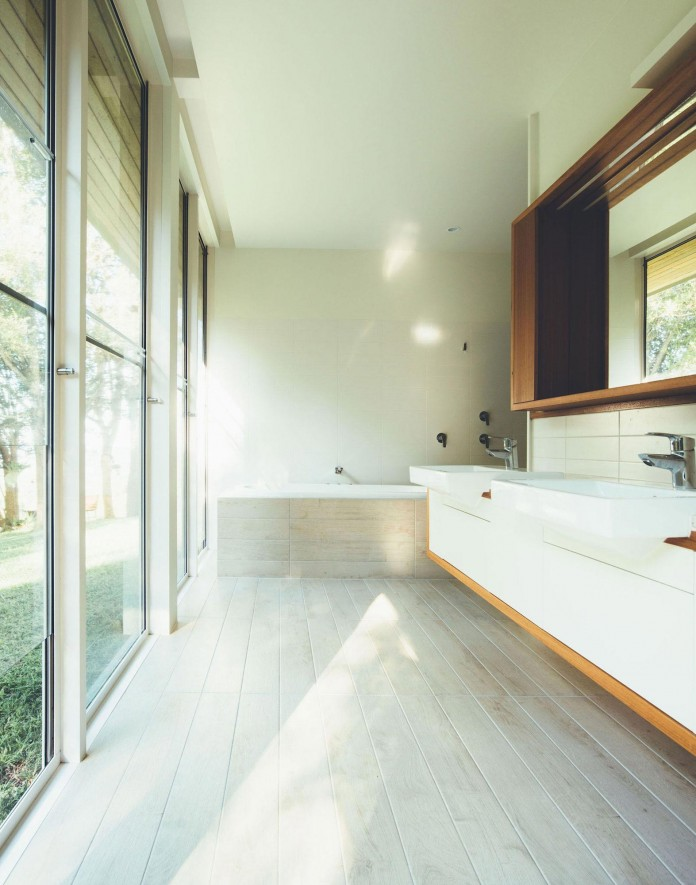 Stealth-Eco-Friendly-Home-on-the-Sunshine-Coast-by-Teeland-Architects-14