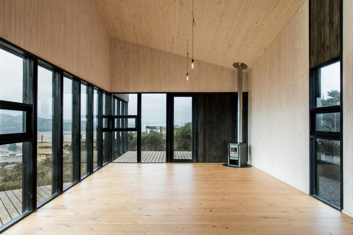 Stranded-House-with-open-space-for-living-room-dining-room-and-kitchen-by-WHALE-08