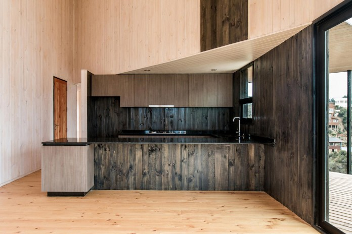 Stranded-House-with-open-space-for-living-room-dining-room-and-kitchen-by-WHALE-10