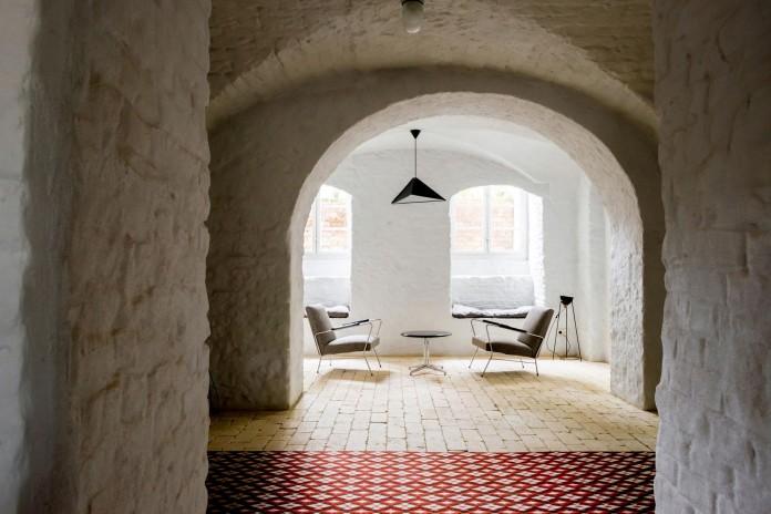 Summer-Apartment-Near-Berlin-by-Loft-Szczecin-05