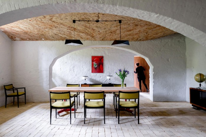 Summer-Apartment-Near-Berlin-by-Loft-Szczecin-18