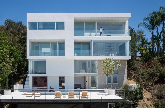 Sunset-Plaza-Drive-Contemporary-Residence-by-GWdesign-01
