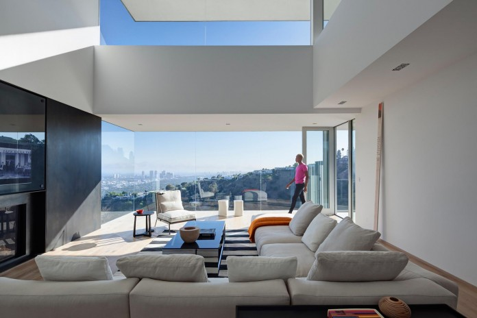 Sunset-Plaza-Drive-Contemporary-Residence-by-GWdesign-06