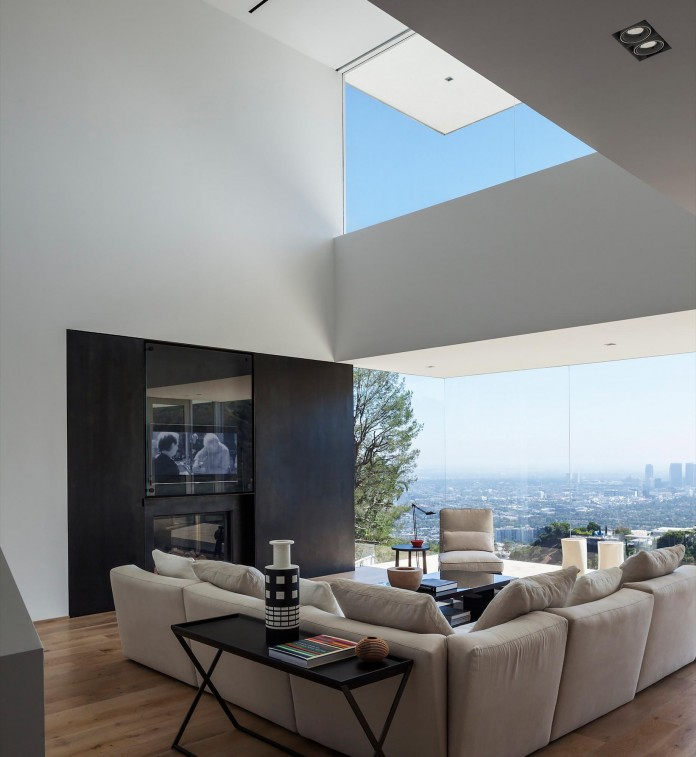 Sunset-Plaza-Drive-Contemporary-Residence-by-GWdesign-07