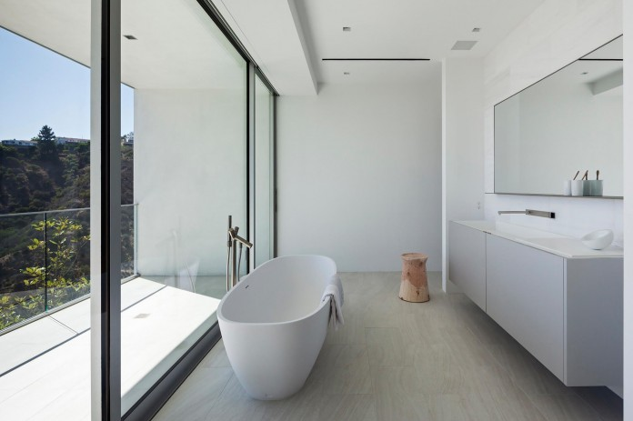 Sunset-Plaza-Drive-Contemporary-Residence-by-GWdesign-14