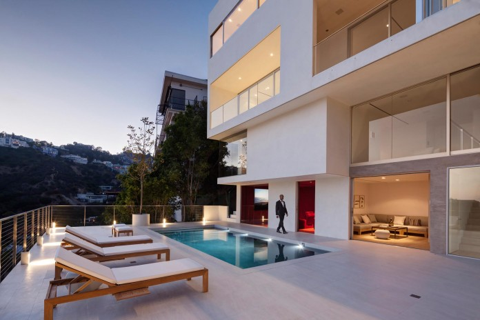 Sunset-Plaza-Drive-Contemporary-Residence-by-GWdesign-21