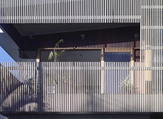 Sunshine-Beach-House-by-Shaun-Lockyer-Architects-05