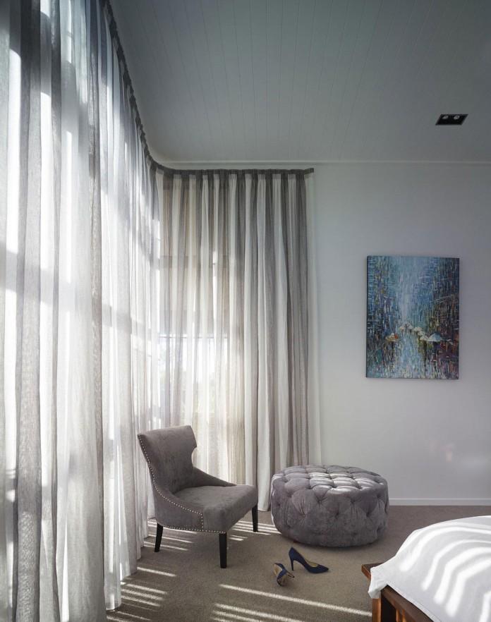 Sunshine-Beach-House-by-Shaun-Lockyer-Architects-14
