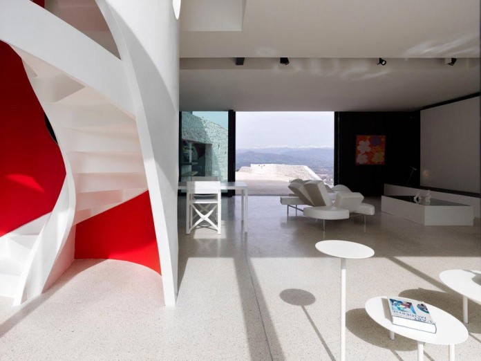 The-Boucquillon-house-in-the-rock-by-Michel-Boucquillon-&-Donia-Maaoui-02