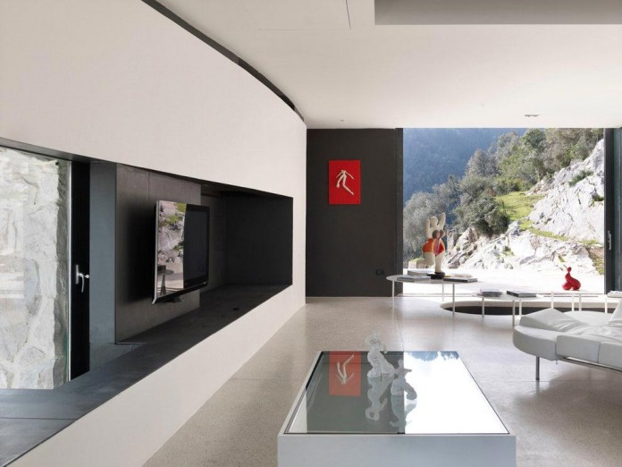The-Boucquillon-house-in-the-rock-by-Michel-Boucquillon-&-Donia-Maaoui-03