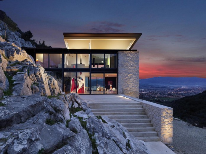 The-Boucquillon-house-in-the-rock-by-Michel-Boucquillon-&-Donia-Maaoui-12