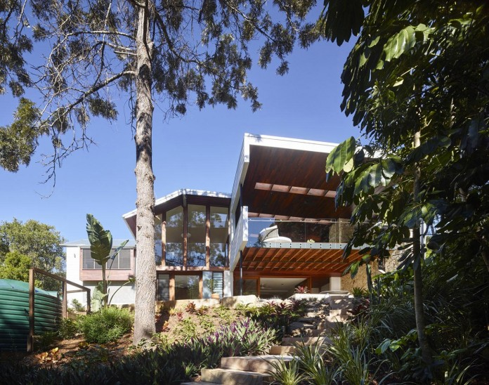 The-Creek-House-by-Shaun-Lockyer-Architects-01