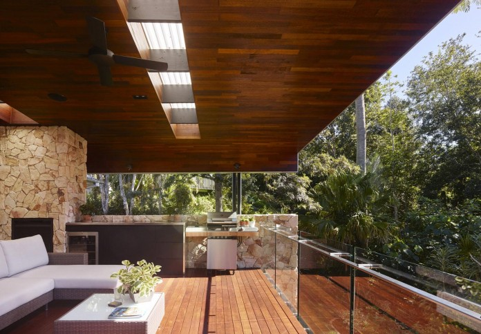 The-Creek-House-by-Shaun-Lockyer-Architects-09