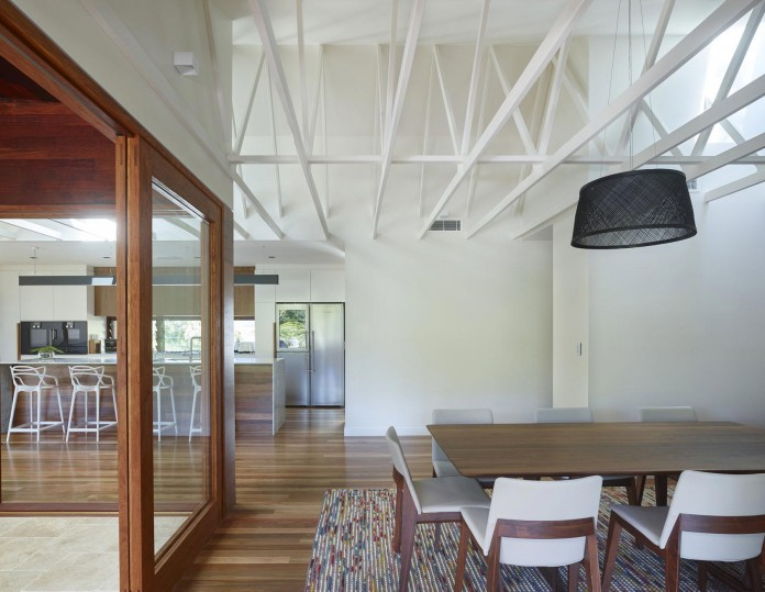 The-Creek-House-by-Shaun-Lockyer-Architects-14