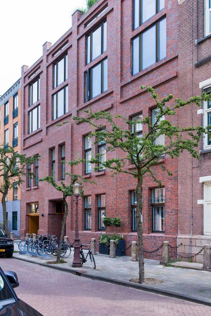 The-Glass-House-by-Amsterdam-Essentials-Interieur-&-Roy-de-Scheemaker-01