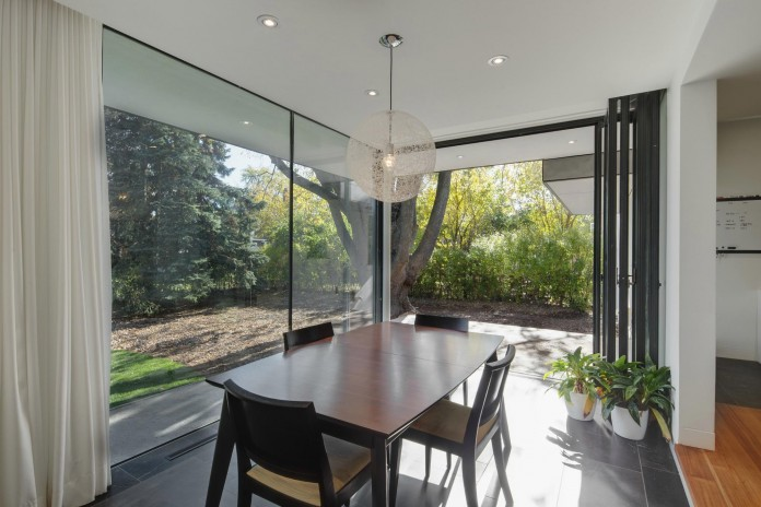 The-Hambly-House-by-DPAI-Architecture-and-Toms-McNally-Design-03