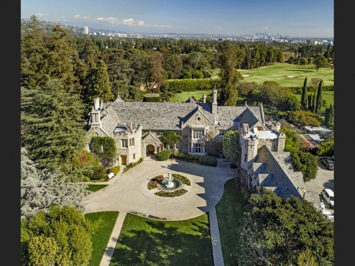 The-Playboy-Mansion-in-Holmby-Hills-is-for-sale-for-$200,000,000-02