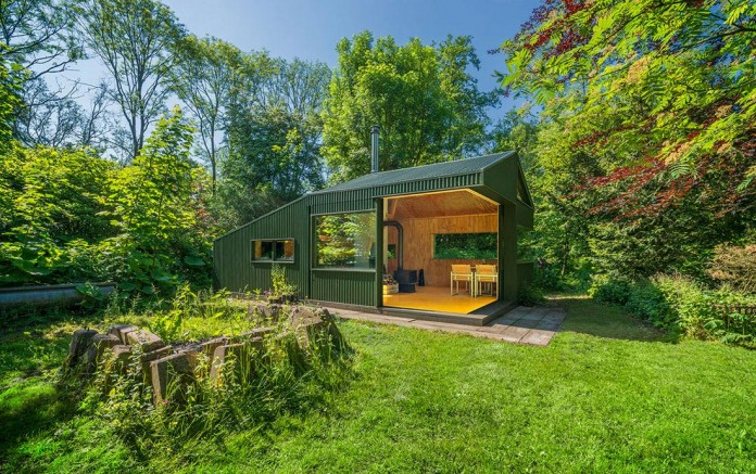 Thoreau-s-Cabin-in-the-middle-of-the-forrest-by-cc-studio-04