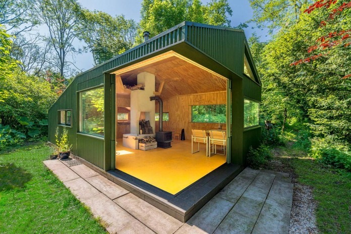 Thoreau-s-Cabin-in-the-middle-of-the-forrest-by-cc-studio-05