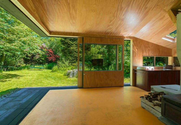 Thoreau-s-Cabin-in-the-middle-of-the-forrest-by-cc-studio-07