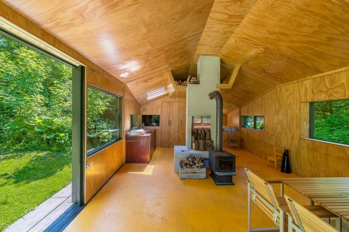 Thoreau-s-Cabin-in-the-middle-of-the-forrest-by-cc-studio-08