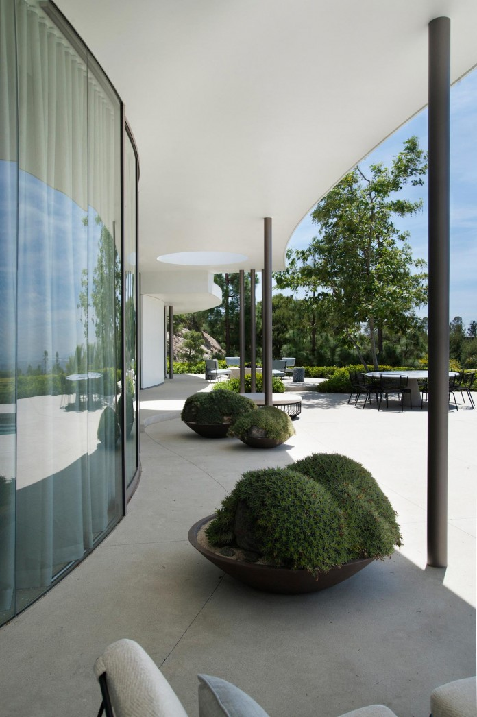 Trousdale-Estates-Contemporary-Home-in-Beverly-Hills-by-Dennis-Gibbens-Architects-04