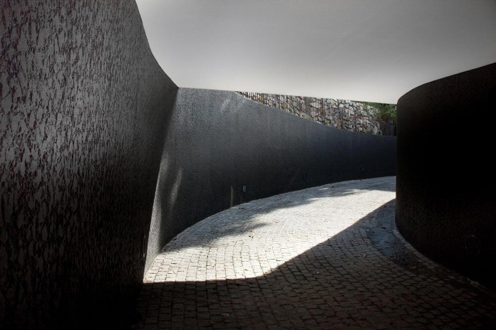 Victoria-Park-Residence-by-ipli-architects-03