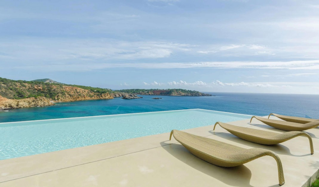 Views Of The Ocean villa majesty boasts spectacular views of the ocean, located in