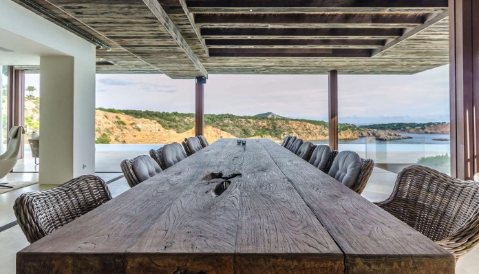 Villa-Majesty-boasts-spectacular-views-of-the-ocean-located-in-Ibiza-Spain-06